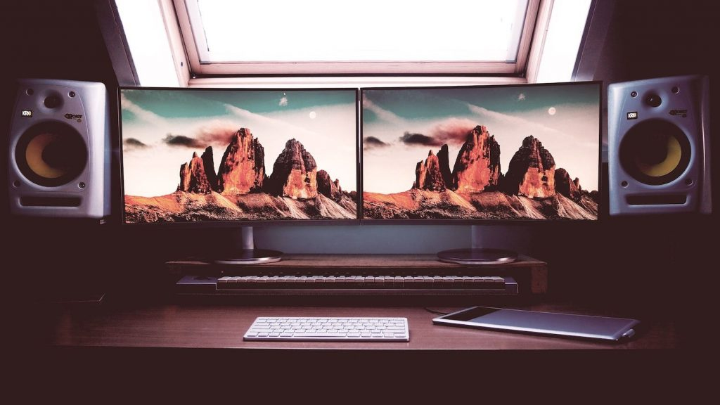 best dual monitor setup